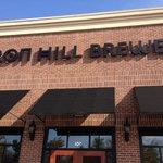 Iron Hill Brewery & Restaurant resmi