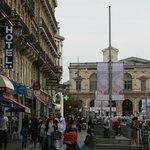 Вид с улицы на Отель и Центральный Вокзал