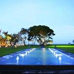 Rama Shinta lawn facing the beach