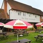 Three Horseshoes, Hooks Cross