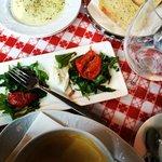тыквенный суп и салат с вяленными помидорками!
