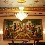 εντυπωσιακο εργο τεχνης στο loby του ξενοδοχειου