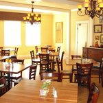Addie's dining room serves delicious Southern dining year around .
