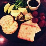 Fantastic cheese & fruit plate a Dooley's