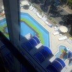 Hotel San Michele: la piscina vista dall'ascensore