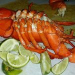 Dump out the lobster on the table