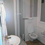 Salle d'eau, chambre n°12