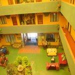 hall do hotel tipicamente boliviano