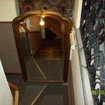 Escalera de acceso a los cuartos