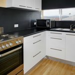 Fully equipped kitchen - 2 bedroom sleeps 5