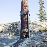 How to place a lamp post on rock
