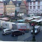 Marktplatz am Tag von meinem Fenster