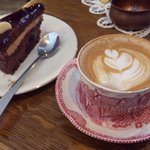 Chocolate cake with a cappuccino based on 100% Arabica house blend