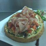 Bruschetta italienne, Jambon cru sec tranché sur place