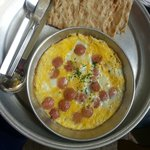 Omelette with sausage, تخم مرغ و سوسیس