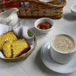 Desayuno artesanal en la cabaña a la hora elegida