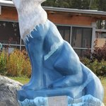 Call of the wild wolf scuplture BEST WESTERN Thompson Hotel & Suites  |  205 Mystery Lake Road,