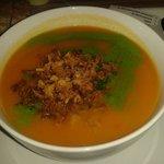 Sopa de calabaza con cebolla crujiente y ajetes
