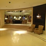 Lobby in direction of bar