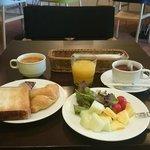 朝食はボリュームがあり美味しかった〜!!