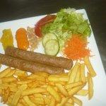 Fricadelles frites et sauces