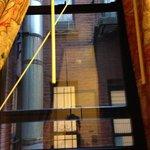 fenêtre, il manque plus que les barreaux