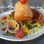 Burger with trufflel sauce and Iberico ham