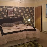 large king size bed