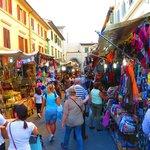 St Lorenzo Street Market
