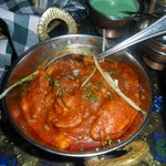 Boneless chicken in traditioanl sauce