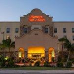 Hampton Inn & Suites Mission Hotel