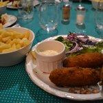 croquettes de crevettes et frites