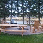 Outdoor picnic/sitting area fire pit and grils