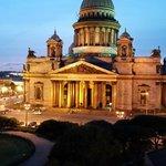 La cathédrale St Isaac au coucher du soleil