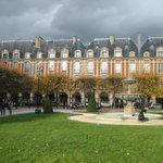 ...Place des Vosges um die Ecke