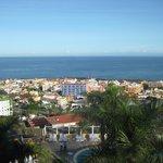 Blick vom Zimmer auf Puerto de la Cruz und den Atlantik