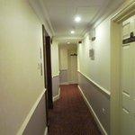 couloir ,tapis plain comme dans les chambres