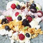 Gunadoo berries, pavasini milk, meringue buttons, praline