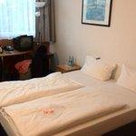 Стандартный двухместный номер с одной большой кроватью