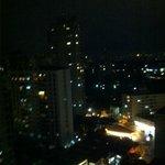 Vista noturna do apartamento no 19º andar