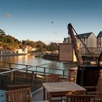 Beautiful quayside pub/restaurant with waterfront decking