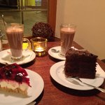 2 Hot chocolate with cheescake and madagascar cake! Delicious