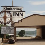 Kimberling Inn Front Entrance