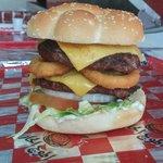 صورة فوتوغرافية لـ Hot Waves Burgers