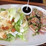 Atum asiático com salada ceasar