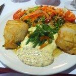 gemarineerde haring met heel veel lekkere groeten, puree en verse pittige tartaar