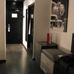 Eingangsbereich und Flur des Zimmers