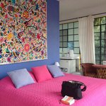 Colorful casita. Only a little noisy from the street but great second floor view.