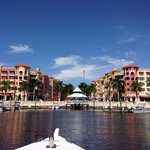 Photo de Naples Bay Water Shuttle