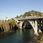 Bridge over entry to Depoe Bay harbour